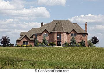 가정, 잔디, 사치, 매니큐어를 칠하게 된다