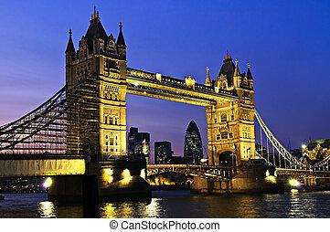 교량 탑, 런던, 밤