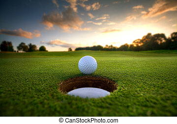 구멍, 공, 골프