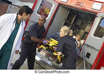 구조 대원, 구급차, 환자, 무부하, 의사