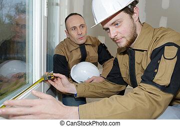 노동자, 측정하는 것, 창유리, 창문