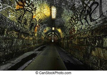 도시의, 터널, 지하철