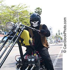 무서운, 자전거 타는 사람