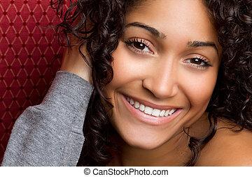 미소 여자, 미국 영어, african