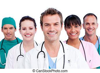 미소, 의학 팀, 초상