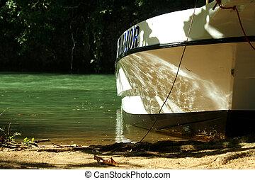 바닷가, 모터 배