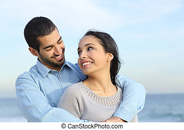 바닷가, 사랑, 한 쌍, 행복하다, 무심결의, arab, 서로 껴안는 것