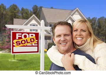 부동산, 집, 한 쌍, 표시, 정면, 팔린다
