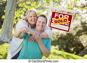 부동산, 키, 한 쌍, 표시, 보유, 정면, 팔린다