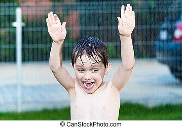 소년, 거의, 정원, 서늘함, 비, 노는 것, 행복하다