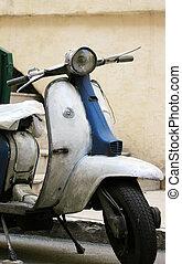 스쿠터, 모터, 이탈리아어