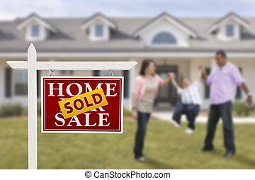 실상의, 가족, 재산, 집, 팔렸던 표시, hispanic하다, 정면