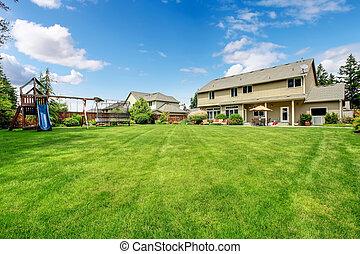 아름다운, 놀이, 둘러싸인다, house., 큰, 뒤뜰, 정원