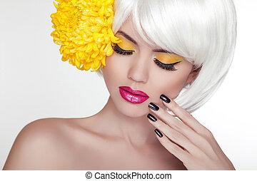 아름다운, 완전한, 여자, 여성, flower., 아름다움, face., 구성, 배경, 고립된, 황색, 매니큐어를 칠하게 된다, skin., 그녀, 신선한, 블론드인 사람, 광천, 초상, 백색, 만지는 것, nails.