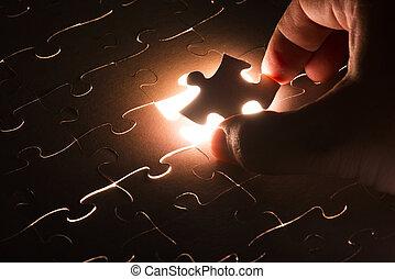 있어야 할 곳에 없는, 빛, 수수께끼, 지그소 조각, 백열