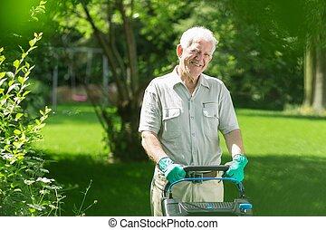 잔디, 연장자 남자, 깎는 것