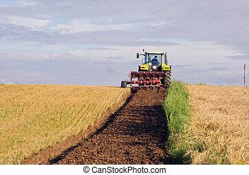 쟁기, 트랙터, 땅, 가을걷이되는, 들판, 농업의