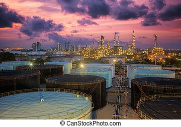 정련소, 기름