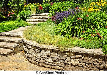 정원사 노릇을 함, 돌, 제자리표