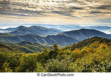 푸른 산, 이랑, 무대의, 한 나라를 상징하는, nc, 공원, 가을, asheville, 해돋이, 서부극, 북쪽, 공원도로, 조경술을 써서 녹화하다, 캐롤라이나