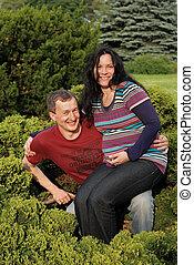한 쌍, 나무, 나이 적은 편의, woman), (pregnant, 행복하다