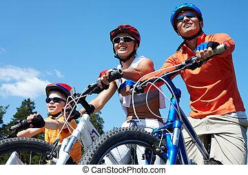 bicycles, 가족