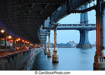 riverwalk, 더 낮은 동쪽의 쪽